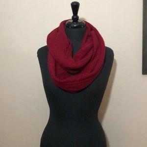 Halogen 100% Cashmere infinity scarf